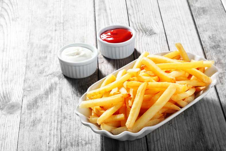 Klassiker: Pommes Schranke oder rot-weiß